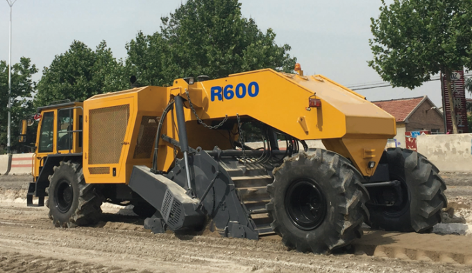 2100r/Min Rated Speed Earthmoving Machinery Road Cold Recycler R600 2100mm Mixing Width