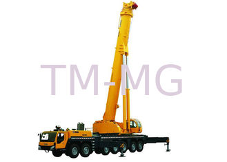 China Durable Single-Cylinder Hydraulic Mobile Crane , 7-Axle All Terrian Crane QAY400 supplier
