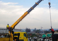 China 14 Ton truck mounted telescopic boom crane Driven By Hydraulic , 35 TM factory