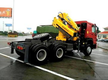 Vehicle mounted 14 Ton Knuckle Boom Truck Crane For Transporting Heavy Things