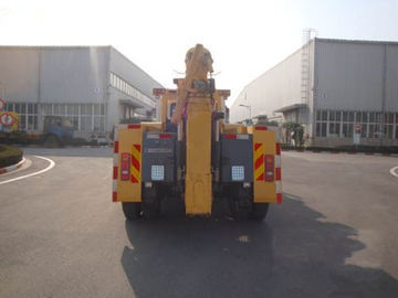 Durable Road Safe Wrecker Tow Truck , 40KN Road Wrecker With 1 Winch