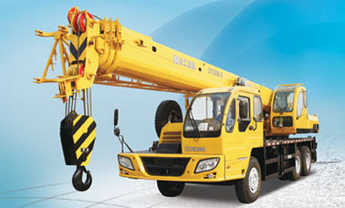 High Power Hydraulic Mobile Crane QY25B.5 Truck Crane 3 r / min Swing Speed for Carriers