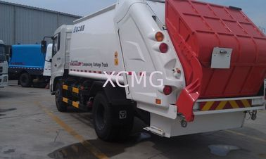 China Sanitation Truck Special Purpose Vehicles For Collecting Refuse factory